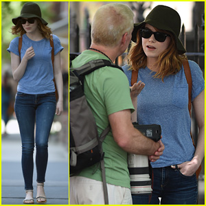 Emma Stone Isn't Afraid to Call Out the Paparazzi in NYC