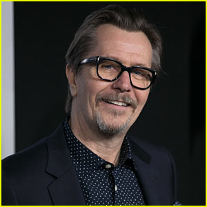 Gary Oldman Apologizes to Jewish Individuals After Controversial 'Playboy' Interview