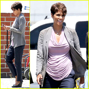 Halle Berry Believes There's Other Life In Our Vast Universe!