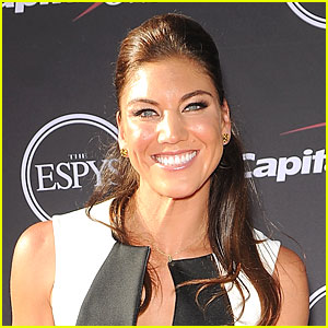 Olympic Soccer Star Hope Solo Arrested For Reportedly Hitting Sister & Nephew