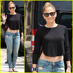 Jennifer Lopez's Bare Midriff Is A Sight To See in NYC!