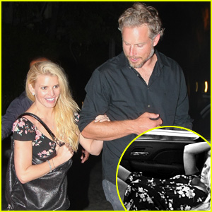 Jessica Simpson Shares Sexy Pose for Fiance Eric Johnson!