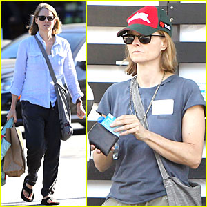 Jodie Foster Talks About Booking 'OITNB' Directing Gig!