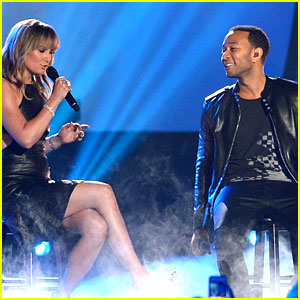 John Legend Performs Country Version of 'All of Me' at CMT Music Awards 2014! (Video)