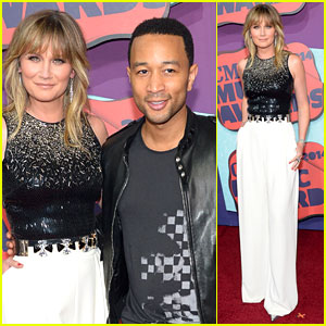 John Legend & Jennifer Nettles Have a 'Duets' Reunion at CMT Music Awards 2014!