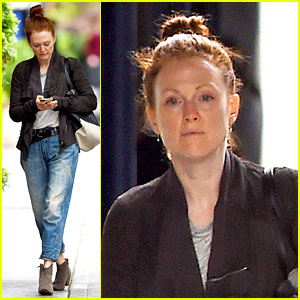 Julianne Moore Scored Cool Mom Points by Working with Robert Pattinson!