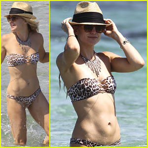 Kate Hudson Displays Amazing Bikini Physique During Ibiza Vacation