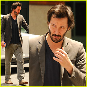 Keanu Reeves Set to Present at Spike TV Guys Choice Awards!