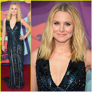 Kristen Bell Sparkles From Head to Toe at the 2014 CMT Music Awards