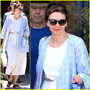Maggie Gyllenhaal Shows Some Skin at Lunch!