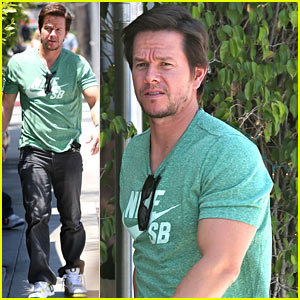 Mark Wahlberg Dishes On the New Dinobots in 'Transformers: Age of Extinction'!