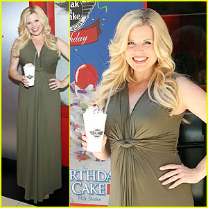 Megan Hilty Sips on Milk Shakes at Steak 'n Shake 80th Anniversary!