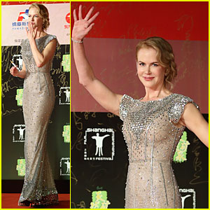 Nicole Kidman Shimmers at Shanghai International Film Festival Opening Ceremony!