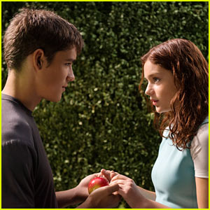 Brenton Thwaites & Odeya Rush Are Young & In Love in New 'Giver' Stills (Exclusive!)