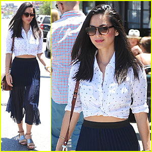 Olivia Munn Prefers Classic Trend Since It Fits Her Body More!