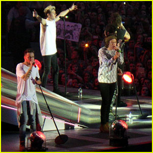 Harry Styles Says Boyfriends Should Be Supportive During One Direction Concert - Watch Here!