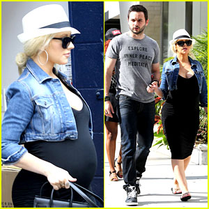 Pregnant Christina Aguilera Reveals Large Baby Bump While Shopping with Fiance Matthew Rutler