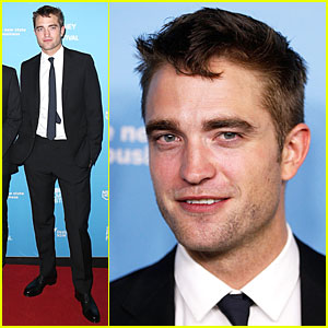 Robert Pattinson is Dapper & Dashing at 'Rover' Sydney Premiere!