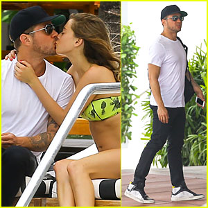 Ryan Phillippe & Girlfriend Paulina Slagter Heat Up Miami By Kissing!