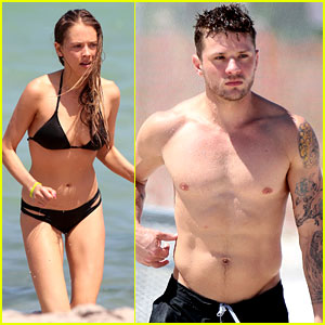 Ryan Phillippe Goes Shirtless & He's in His Best Shape Ever!