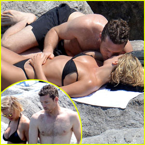 Sam Worthington & Lara Bingle Show Off Their Beach Bodies While Displaying Some PDA!