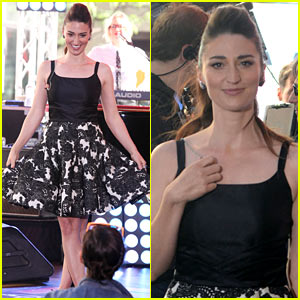Sara Bareilles Brings the House Down with 'Brave' on 'Today' Show! (Videos)
