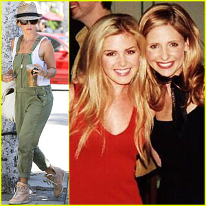 Sarah Michelle Gellar Celebrates #tbt with an Isla Fisher Pic!