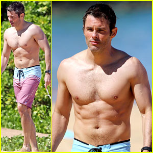 Shirtless James Marsden Shows Off Ripped Body in Hawaii!