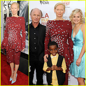 Tilda Swinton & Alison Pill Keep It Hot For 'Snowpiercer' LAFF Premiere!