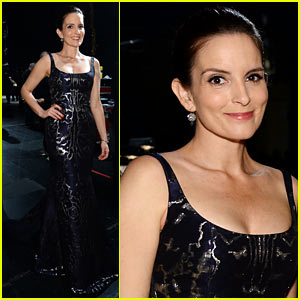 Tina Fey Introduces Jennifer Hudson at Tony Awards 2014!