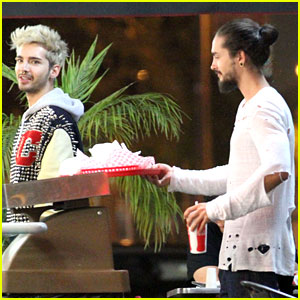 Tokio Hotel's Tom & Bill Kaulitz Grab Astro Burger Together!