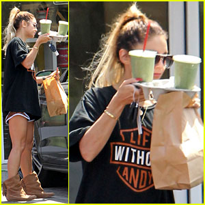 Vanessa Hudgens Uses Green Smoothies to Cover Her Face!