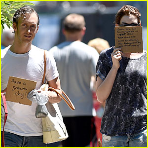 Anne Hathaway & Adam Shulman Apply Andrew Garfield & Emma Stone's Sign Idea!