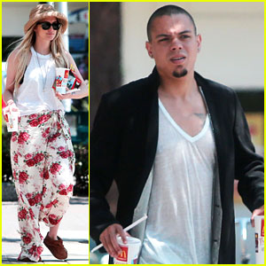 Ashlee Simpson & Evan Ross Arrive for Jessica's Wedding!