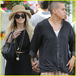 Ashlee Simpson & Evan Ross Are Inseparable During Ivy Lunch