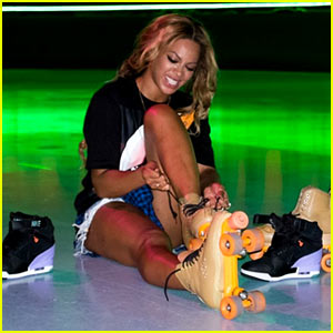 Beyonce Recreates 'Blow' Music Video at Houston Roller Rink