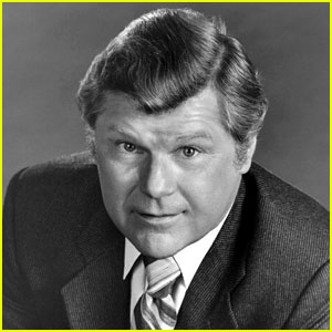 Bob Hastings Dead - 'McHale's Navy' Actor Dies at 89