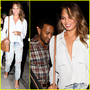 Chrissy Teigen Apologizes to John Legend For Having the Best 30 Minutes of Her Life with Larry King!