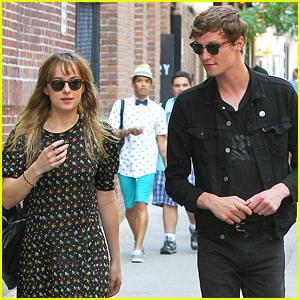 'Fifty Shades of Grey' Trailer, Starring Dakota Johnson & Jamie Dornan, Will Be Released Tomorrow!