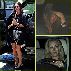 'Friends' Reunion! Jennifer Aniston, Courteney Cox, & Lisa Kudrow Grab Dinner Together!