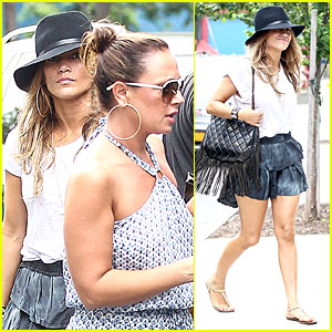 Jennifer Lopez & BFF Leah Remini Continue to Bond in NYC!