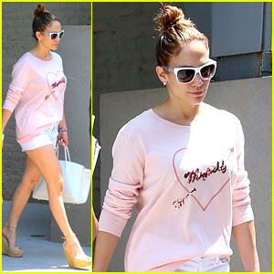 Jennifer Lopez Loves Herself in New York City