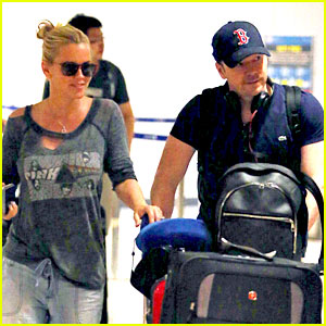 Jenny McCarthy & Donnie Wahlberg Return from Turks & Caicos!