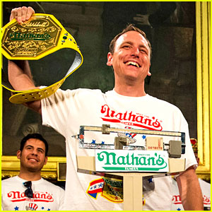 Joey Chestnut Wins Hot Dog Eating Contest, Proposes to Girlfriend on Live TV!