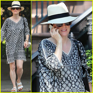 Julianne Moore Looks So Summer Chic in Sweltering New York City