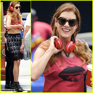Kate Walsh Lifts Her Shirt & Exposes Her Bra for 'Bad Judge' Scene!