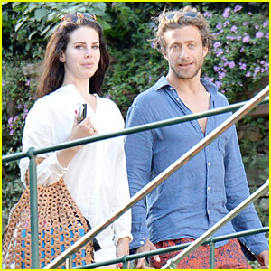 Lana Del Rey Steps Out with New Man Francesco Carrozzini!