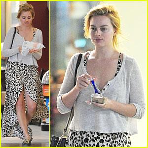 Margot Robbie Enjoys Movie & McDonalds in London!