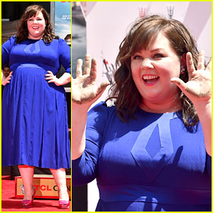 Melissa McCarthy Immortalized at Hand & Footprint Ceremony!