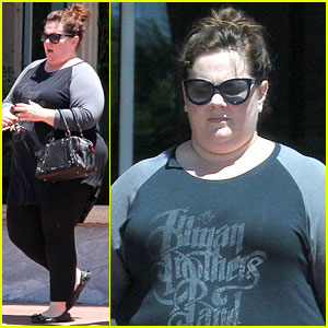 Melissa McCarthy Lost a $9,000 Wig While Filming 'Tammy'!